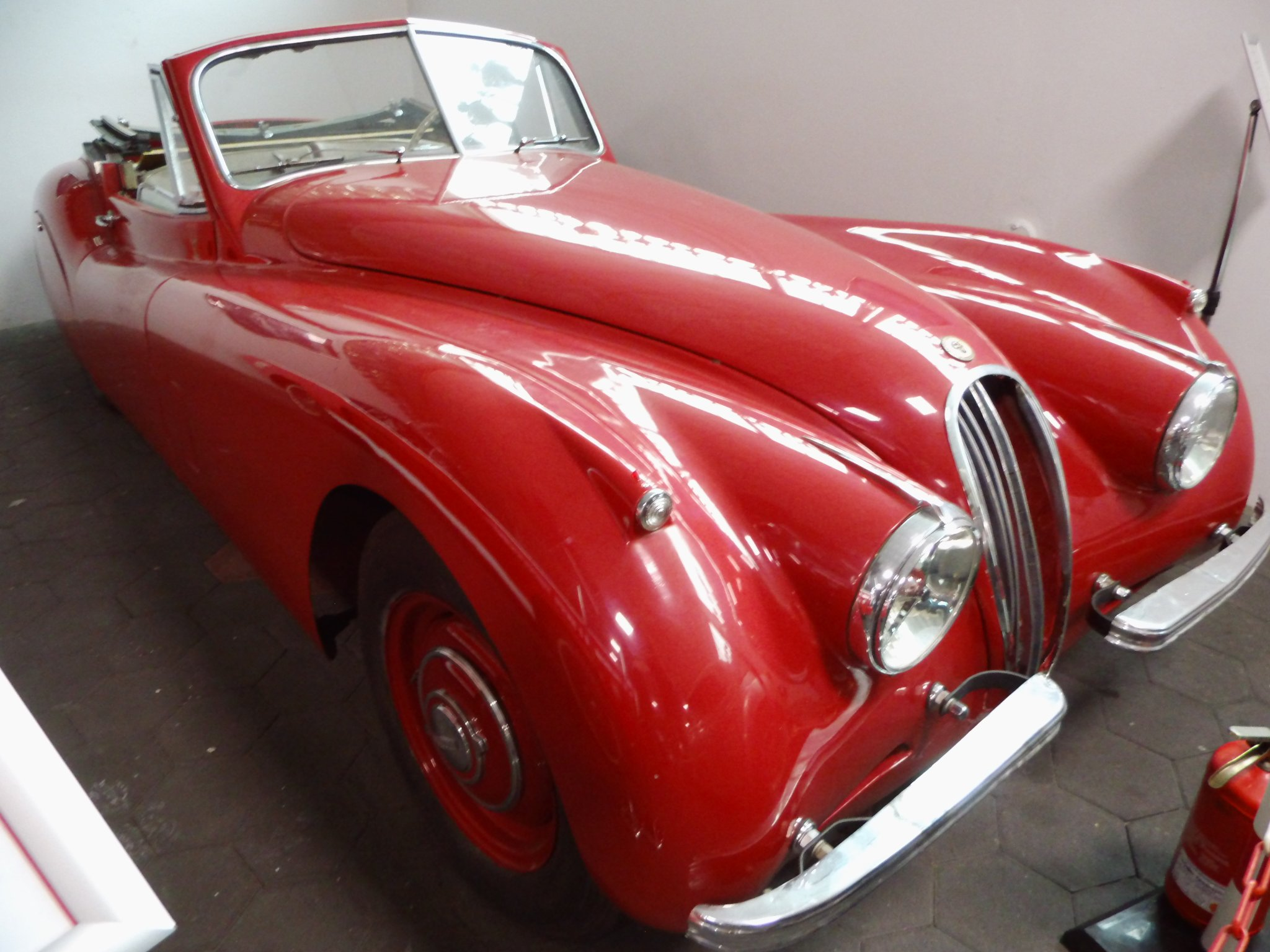 1954 Jaguar XK120 dhc restoration project